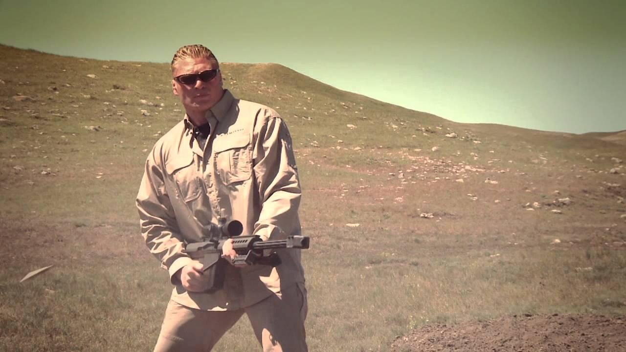 Brock Lesnar – jest także zapalonym skoczkiem spadochronowym !