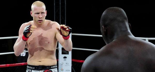 Adam Wieczorek (10-2) niestety nie jest już zawodnikiem UFC.