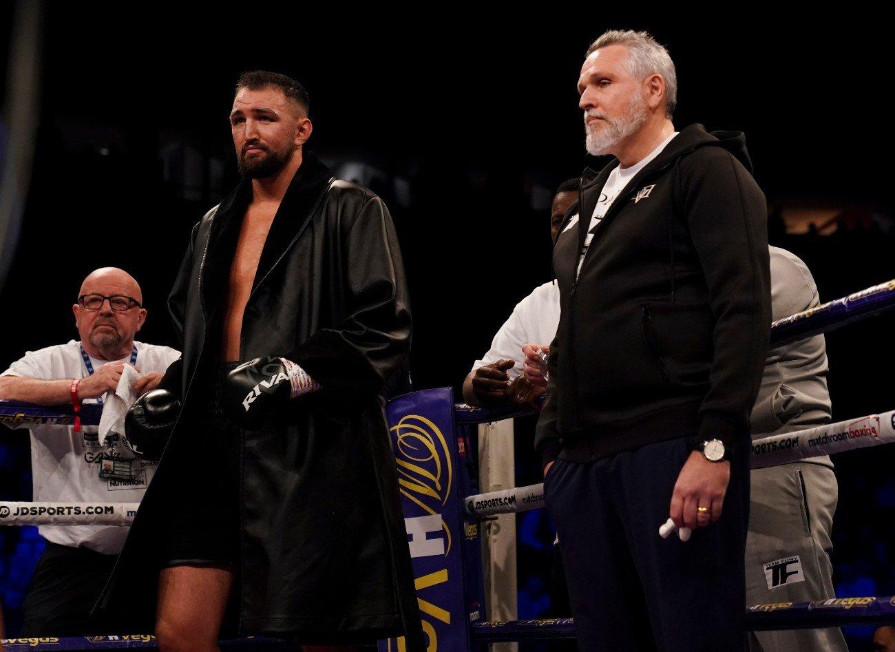 Mariusz Wach został wypunktowany przez Hughie Fury'ego na gali bokserskiej w Londynie.