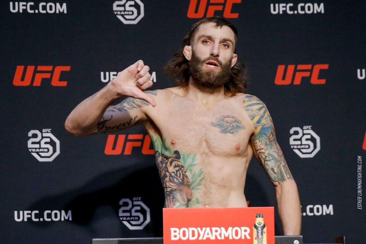 Michael Chiesa pokonał jednogłośną decyzją sędziów Neila Magny'ego w walce wieczoru UFC on ESPN 20 w Abu Zabi.